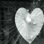 в стекло разбитая душа